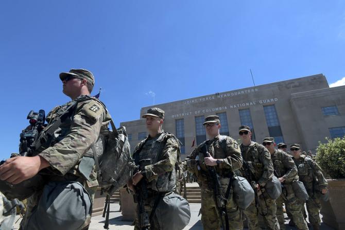 Militarii din Garda Națională au început să se îmbolnăvească