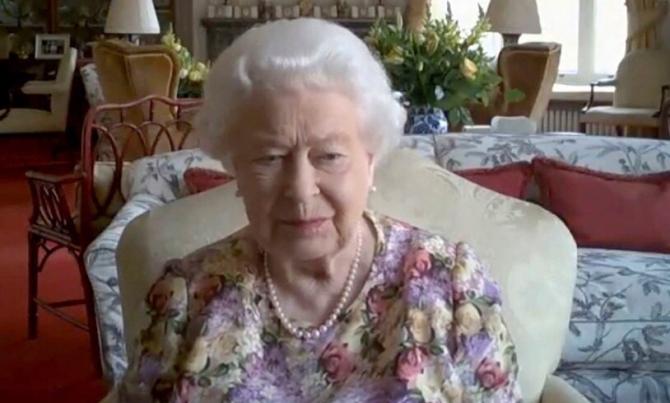 Regina Elisabeta i-a ELIMINAT! Gest DUR din partea Suveranei