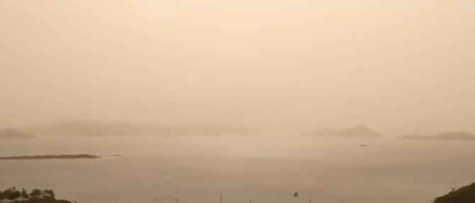 Norul de praf lung de 3.500 de mile a traversat Oceanul Atlantic și a trimis calitatea aerului în sudul SUA.