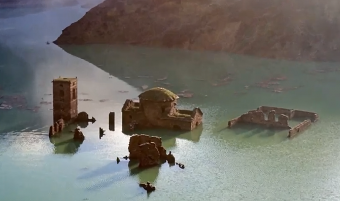Fabbriche di Careggine, un sat italian din secolul al XII-lea este scufundat în fundul unui lac