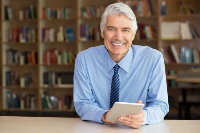 Firmele vor fi obligate să angajeze pensionari în anumite condiții