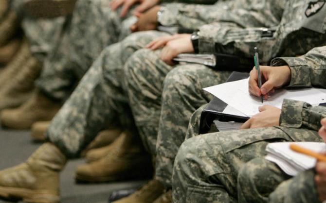 Pentagonul a trimis 1600 de soldați