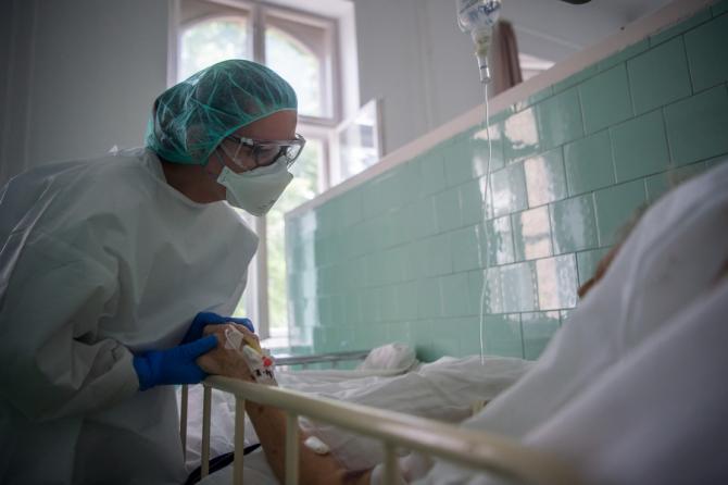 Pacienții cu forme grave nu au mai avut nevoie să fie intubați