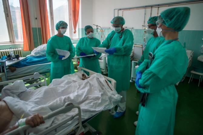 Iranul se confruntă cu al doilea val de îmbolnăviri