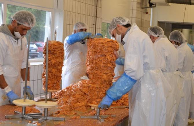 Fabrica de kebab a devenit focar de infecție