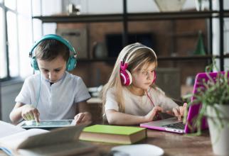 Familiile vor primi bani pentru achiziționarea de calculartoare