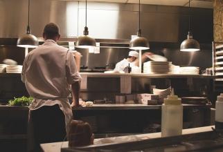 Restaurantele sunt spații închise, a spus premierul