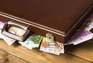 INS: Deficitul comercial al României a trecut de 7,000 miliarde de euro