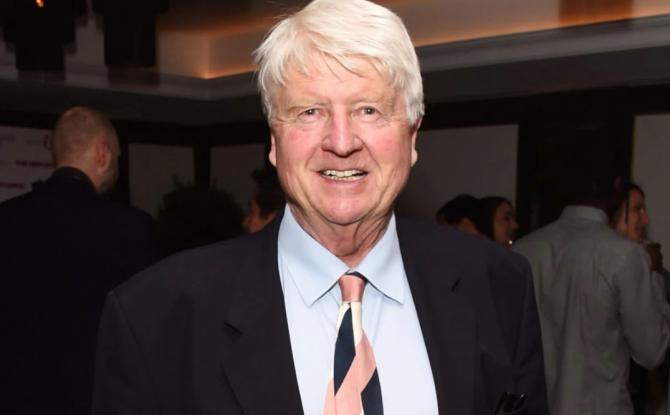 Tatăl lui Boris Johnson SFIDEAZĂ pandemia! Unde se află bunicul petrecăreț