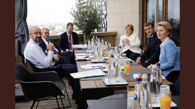 După negocieri dure liderii europeni au ajuns la acordul final