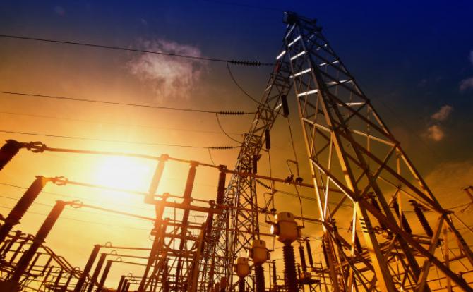 Preţul energiei electrice din România este ASTĂZI cel mai mare din regiune