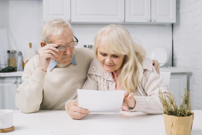 CNPP: Câți pensionari au primit indemnizație socială în iunie