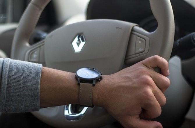 Șeful Renault intenționează să REDUCĂ costurile