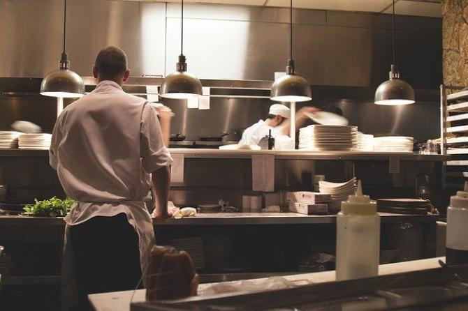 HORA: 78% din populația României consideră că restaurantele trebuie redeschise