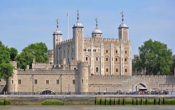 Gardienii de la Turnul Londrei riscă să-și piardă locurile de muncă