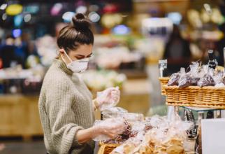 Românii au început cumpărăturile pentru Crăciun
