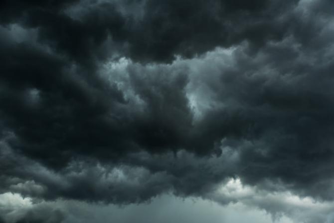Vremea o ia RAZNA. Meteorologii avertizează: Efectele vor fi CATASTROFALE