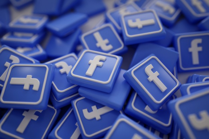 Decizia rețelei Facebook