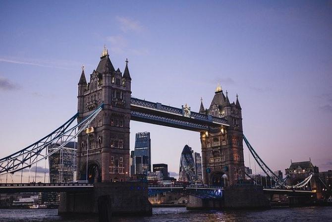 Covid-19: Londra NU exclude cea mai dură variantă