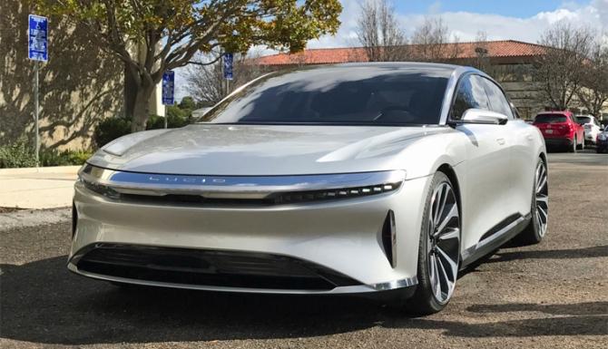 Vânzările Tesla au depășit estimările în trimestrul trei din 2020
