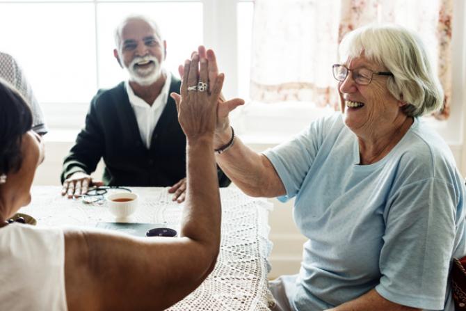 Persoanele care vor beneficia de reducerea vârstei de PENSIONARE cu 2 ani. CONDIȚII