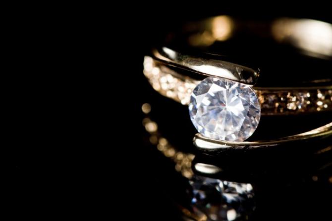 Exporturile Indiei de pietre preţioase şi bijuterii au SCĂZUT
