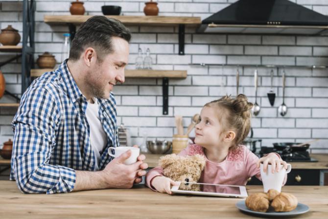 SENAT: Părinților li se acordă ZILE LIBERE. Condiții