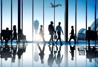 Trafic aerian în SCĂDERE cu 70% pe aeroporturile din București