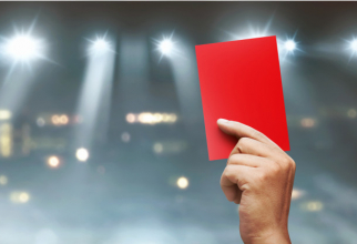 Un cartonaș roșu pentru clasa politică