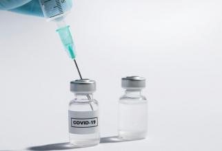 AstraZeneca consideră încă posibil obținerea unui vaccin până la sfârșitul anului