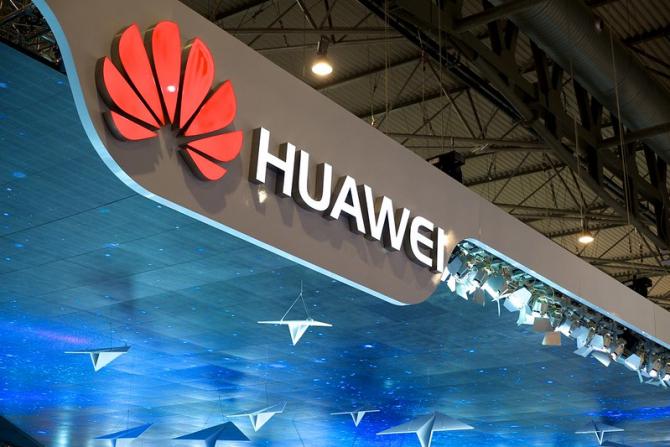 Huawei este în negocieri pentru VÂNZAREA unor părţi