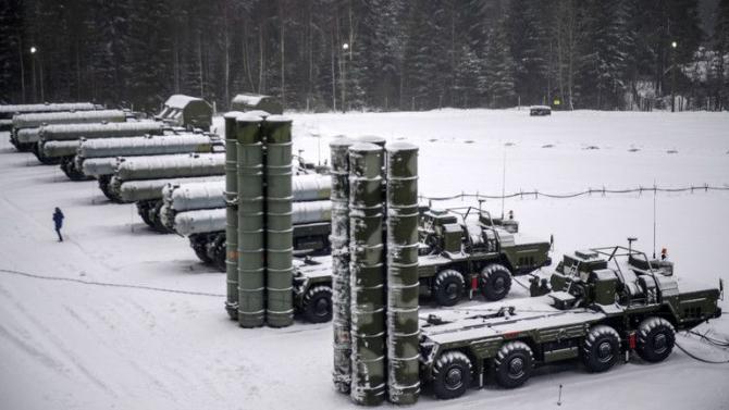 Rușii instalează mai multe sisteme S-400 în zona Arcticii