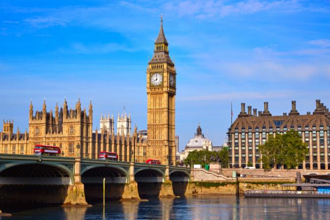 Marea Britanie ar putea intra din nou în ÎNCHIDERE și IZOLARE