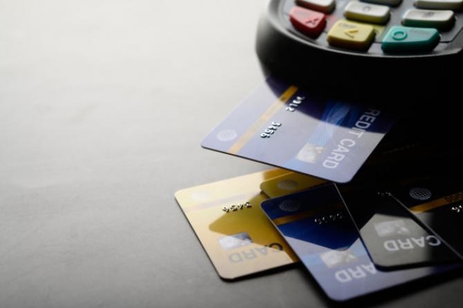 BCE: Pandemia a stimulat plățile cu cardul în zona EURO