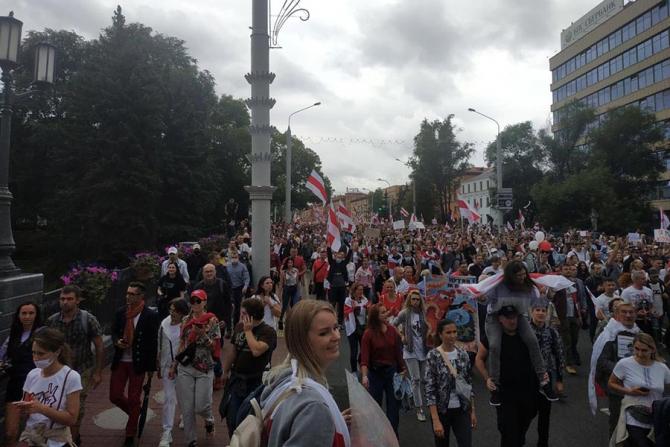 Protestele continuă la Minsk