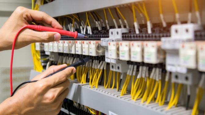 Alimentarea cu ENERGIE ELECTRICĂ va fi ÎNTRERUPTĂ. Află în ce zone