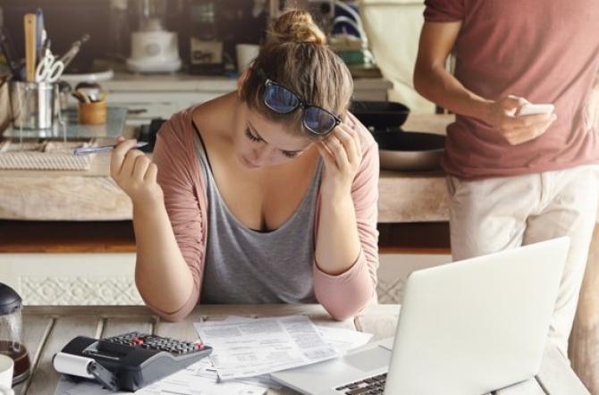 Fără educație financiară riscurile sunt mari