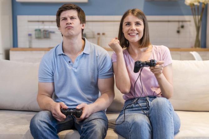 Vânzările de jocuri video, afectate de războiul consolelor