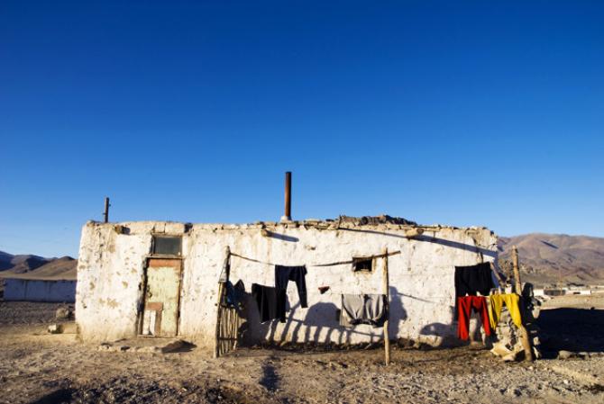 Pandemia adâncește și mai mult problemele deja existențe în privința sărăciei și a lipsei educației