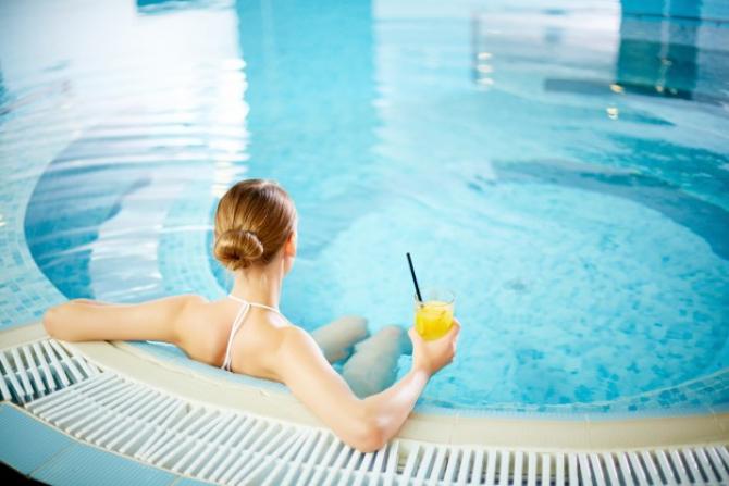 Covid-19: Ce se întâmplă cu piscinele interioare din România