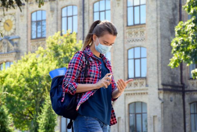 Începând cu data de 19 mai, la nivelul unităţilor de învăţământ din municipiul Bucureşti activităţile didactice se pot desfăşura cu participarea zilnică a tuturor preşcolarilor şi elevilor.
