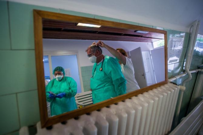 Medicii descoperă aproape zilnic lucruri noi despre această boală care a afectat o lume întreagă