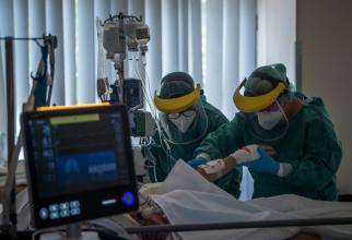 Din ce în ce mai mulți pacienți sunt internați la ATI