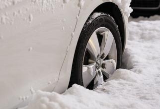 Ce trebuie să ai în mașină pe timp de iarnă