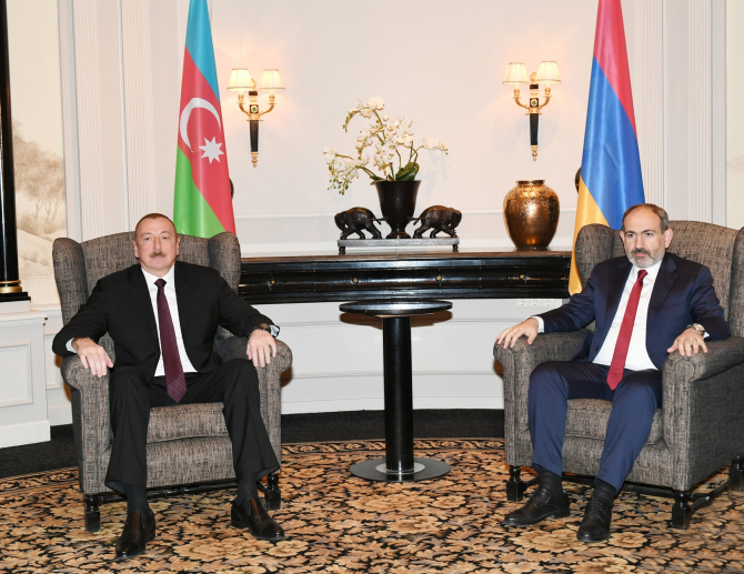 Ilham Aliyev și Nikol Pashinian
