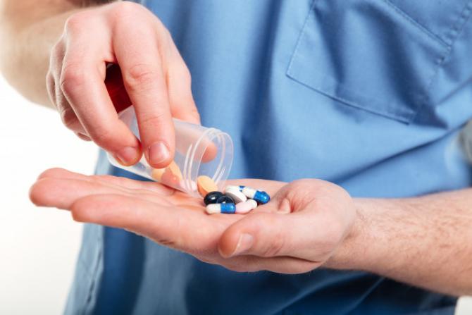 Specialiștii americani au găsit un amestec de medicamente cafre se dovedește a fi eficient în tratarea cazurilor ușoare