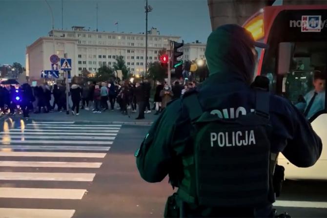 Femeile din Polonia intră în grevă