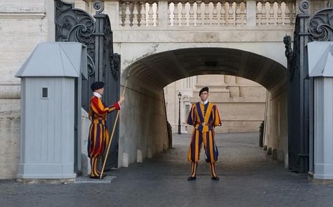 Reprezintă un pericol pentru Suveranul Pontif