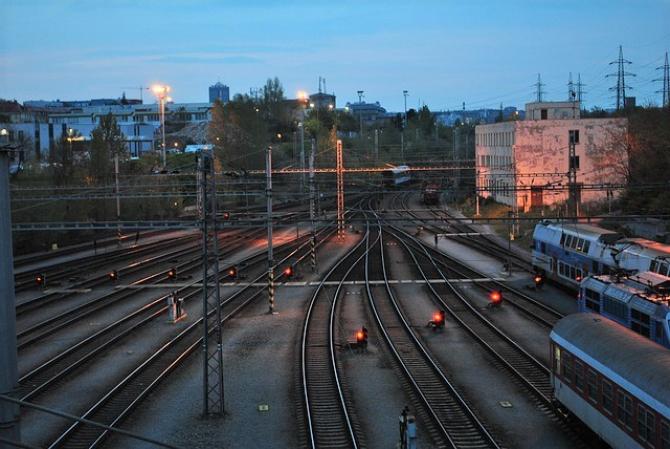 Studenţii vor BENEFICIA de o reducere de 50% pentru călătoriile pe calea ferată