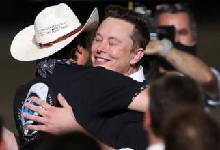 Se întâmplă ceva ciudat, a spus Musk